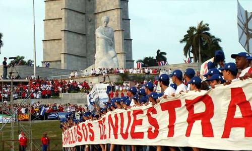Ajustan detalles en Cuba para desfile proletario del Primero de Mayo