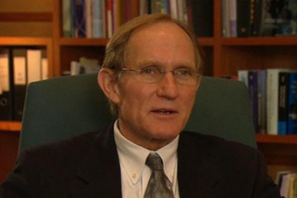 Científico de EE.UU. recibe titulo académico cubano