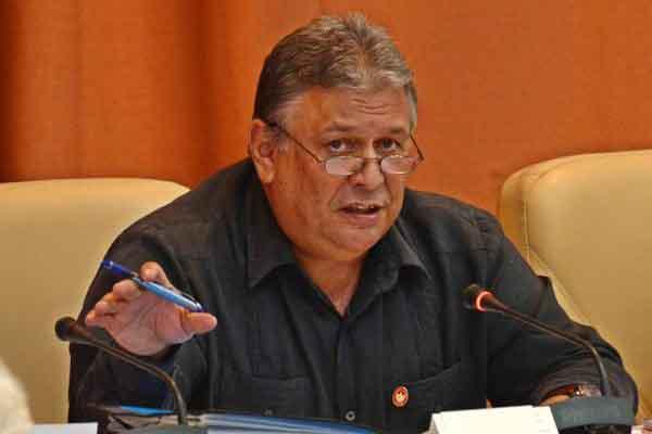 Anuncia Cuba modificaciones al trabajo no estatal