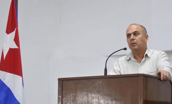 El Ministro de Salud de Cuba, Dr. Roberto Morales Ojeda, interviene en el acto con motivo del aniversario 59 del Triunfo de la Revolución, efectuado en la sede del Ministerio, en La Habana, el 28 de diciembre de 2017. ACN FOTO/Oriol de la Cruz ATENCIO HERNÁNDEZ