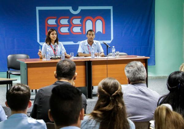 Debates en la comisión de Trabajo Político-Ideológico, en la Asamblea Nacional de la Federación Estudiantes de la Enseñanza Media (FEEM), con sede en el Centro de Convenciones de Cojimar, en La Habana, Cuba, el 5 de diciembre de 2017. ACN FOTO/Abel PADRÓN PADILLA