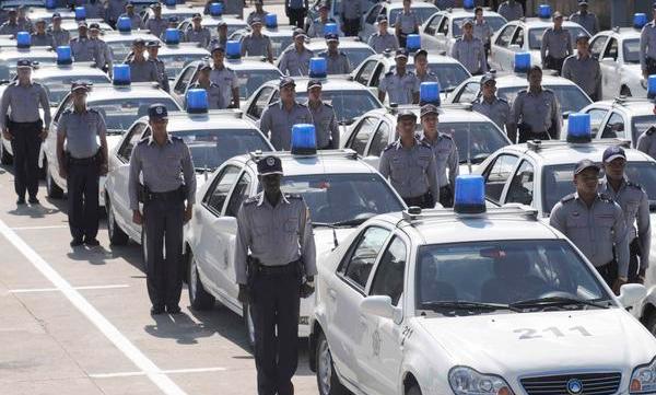 0104-policia-cubana.jpg
