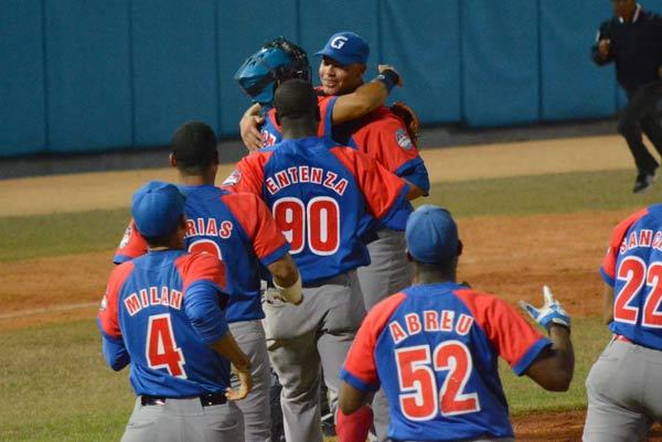 Alazanes anulan vaticinios en final del Béisbol cubano