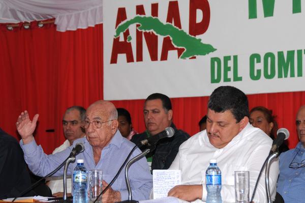 Participa Machado Ventura, en IX Pleno del Comité Nacional de la ANAP