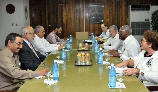 Salvador Valdés Mesa recibe a dirigente del Frente Polisario