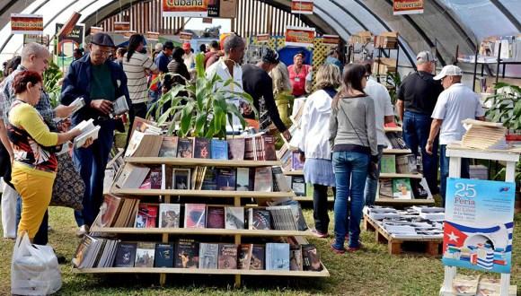 Agasajan al Instituto Cubano del Libro en sus cercanos 50 años