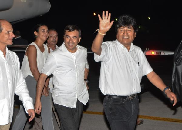 Llegó a La Habana presidente de Bolivia Evo Morales