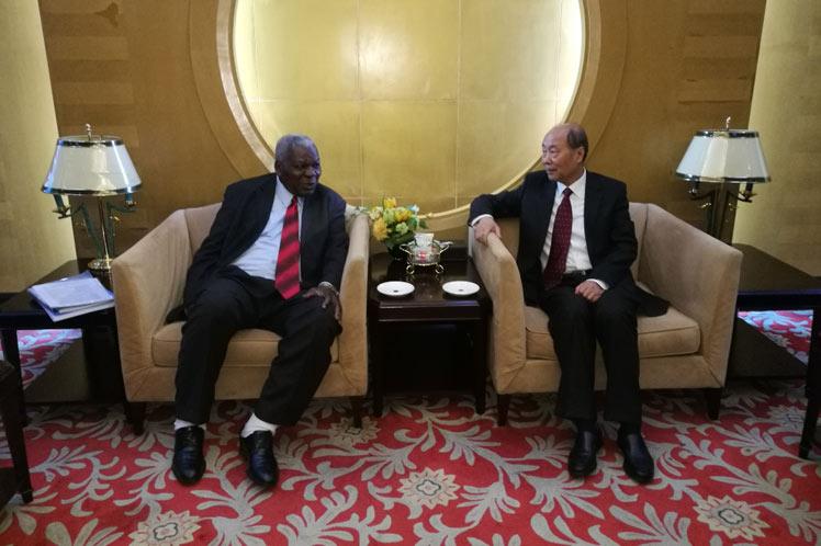 Inicia Presidente del parlamento cubano visita oficial a China