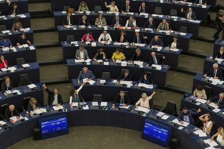 UE y Japón resuelven diferencias en conversaciones de libre comercio