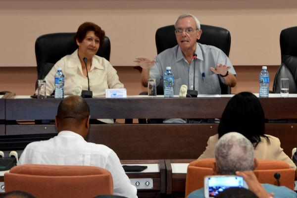 Clausuran en Cuba I Taller Internacional de Secundaria Básica