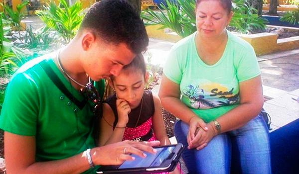 Espacios en Camagüey para uso más creativo de tecnologías