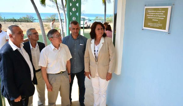 Reconoce labor de científicos cubanos experto en energía atómica