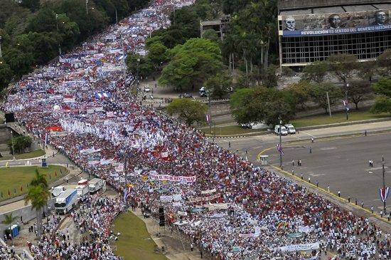 Desfile en la Plaza de la Revolución de La Habana