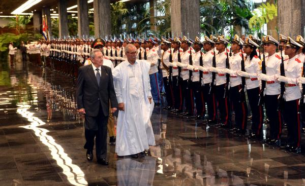 Recibe presidente de Cuba a su homólogo de República Saharaui