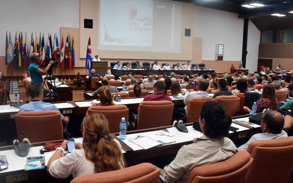 Empresarios de Cuba y México firman convenio de cooperación