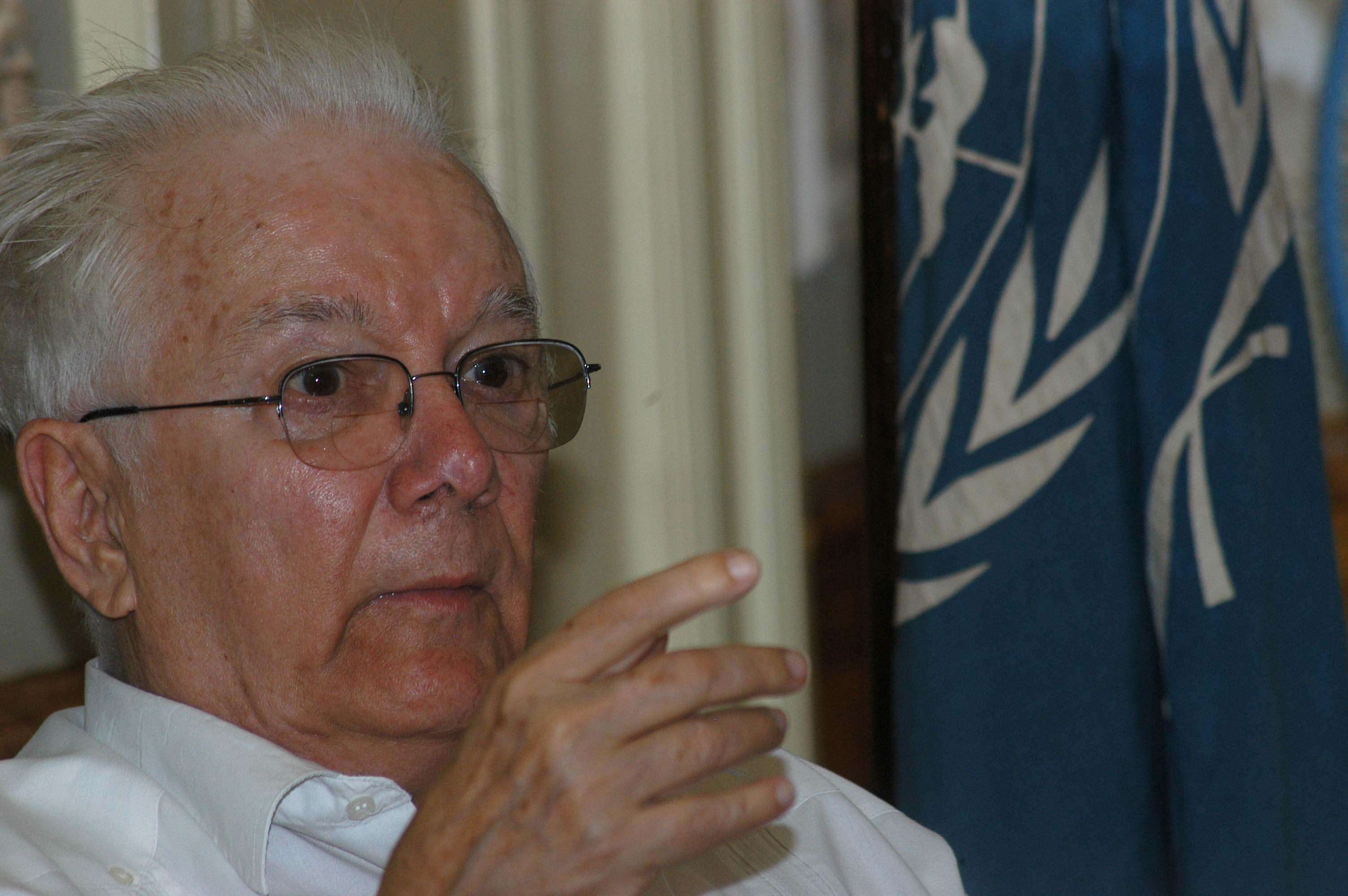 Dedican espacio teórico a la obra del intelectual cubano Armando Hart