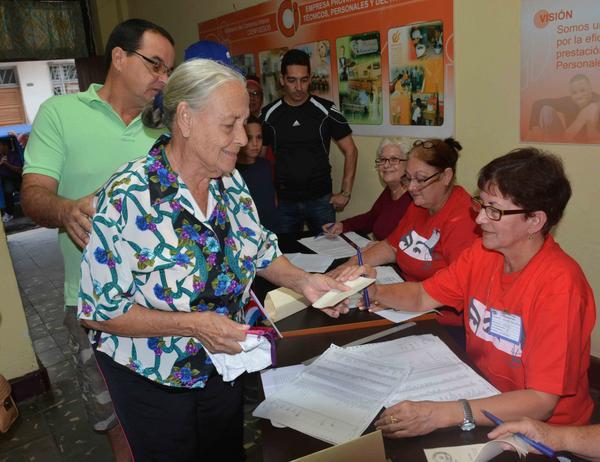 Cerca de dos y medio millones de electores ya votaron en Cuba