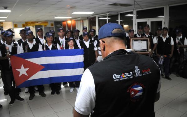 En la Patria brigada médica que socorrió al pueblo mexicano