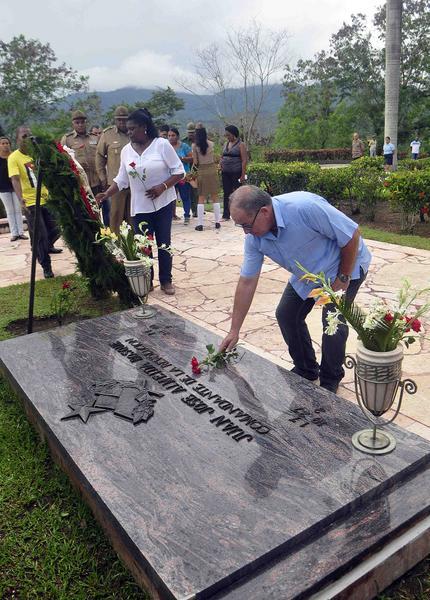 Honran memoria de Juan Almeida  a ocho años de su muerte