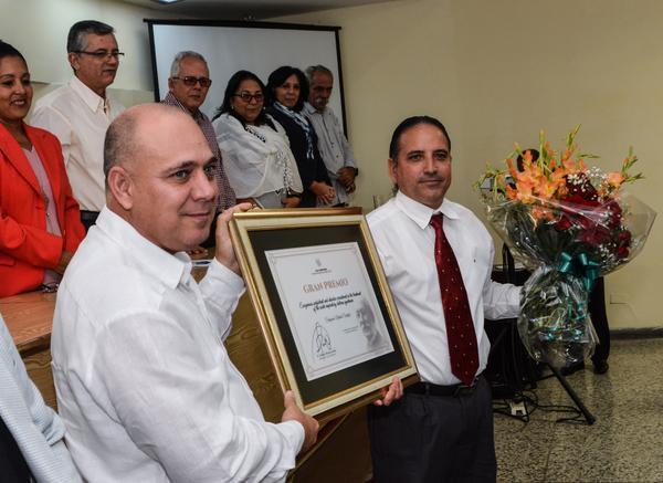 Conceden  premio anual de salud a científicos cubanos