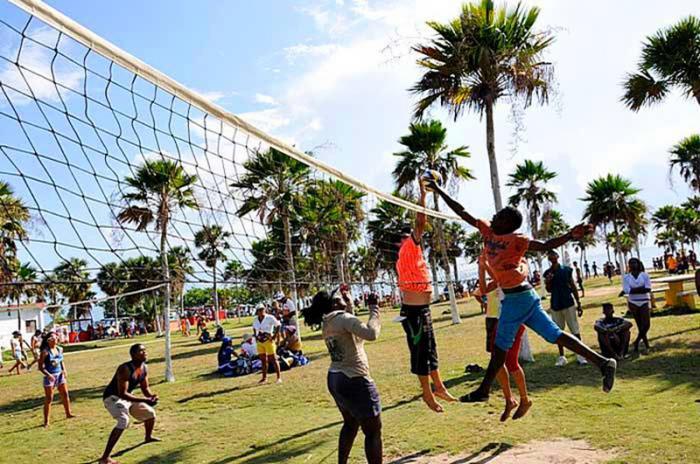 0811-jovenes-cubanos-4.jpg