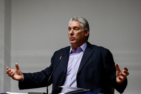 Exalta primer vicepresidente c ubano premios a los resultados de la investigación científica