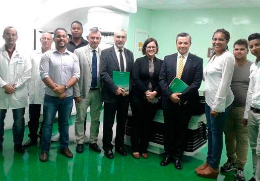 Encuentro en el Centro Especializado de Diagnóstico y Radioterapia del CIMEQ. Foto: ACN