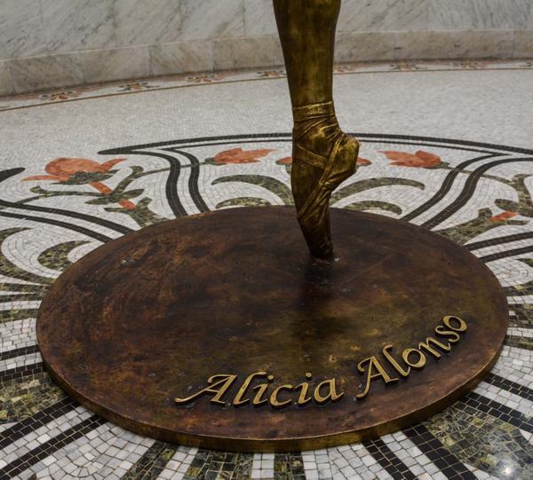 0101-alicia-alonso2.jpg