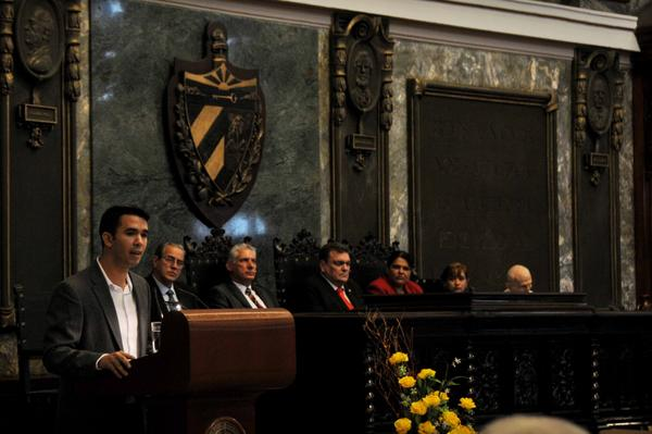 Raúl Alejandro Palmero Fernández, presidente de la Federación Estudiantil Universitaria (FEU), interviene en el acto central de conmemoración por el Aniversario 290 de la Universidad de La Habana, efectuado en el Aula Magna, el 5 de enero de 2018. ACN FOTO/Omara GARCÍA MEDEROS