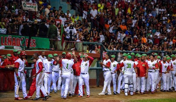 Las Tunas beat Industriales to tie playoff series
