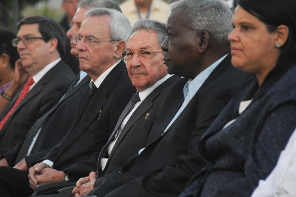 Asiste Raúl Castro a la inauguración de la estatua ecuestre de Martí