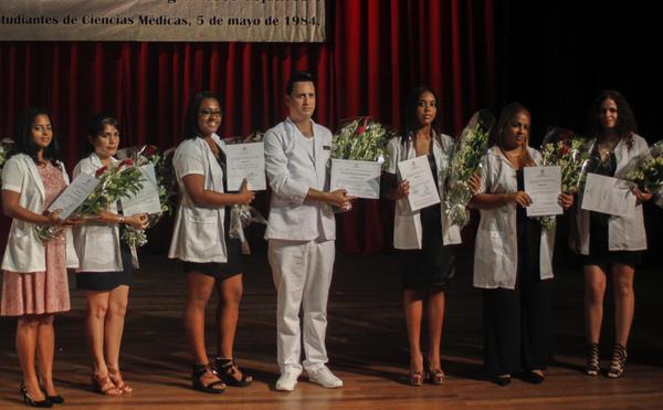 500 nouveaux diplômés en infirmerie pour La Havane
