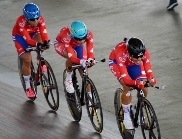 Ciclistas cubanas competirán en veloz circuito por el Astana Women's Team