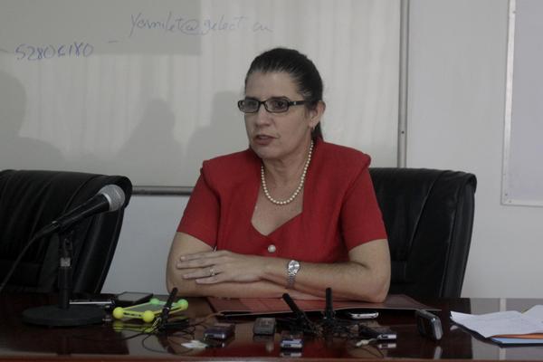Yamilet Herrera, Especialista de la Dirección de Negocios de Grupo de la Electrónica (GELECT), dialoga con la prensa sobre las actividades de GELECT en Cuba-Industria2018 , en La Habana, Cuba, el 13 de junio de 2018. ACN FOTO/Alejandro RODRÍGUEZ LEIVA