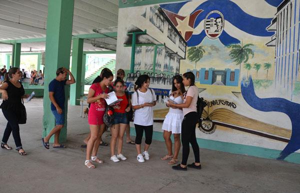 Provechoso encuentro académico en Camagüey entre futuros ingenieros civiles cubanos
