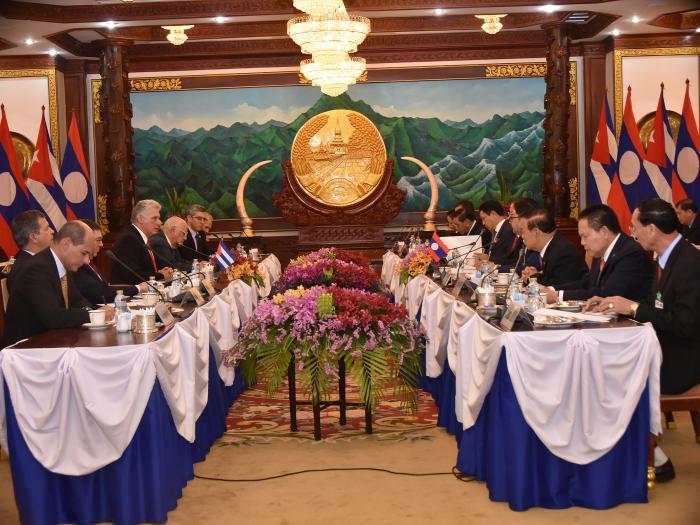 Miguel Díaz-Canel Bermúdez, Presidente de los Consejos de Estado y de Ministros, afirmó este domingo sentirse impresionado por el desempeño de la economía de Laos, donde cumple una visita oficial que finalizará su gira por cuatro naciones asiáticas