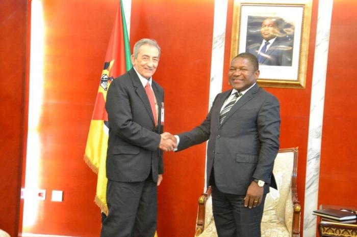 Recibe presidente de Mozambique a delegación del Comité Central del PCC