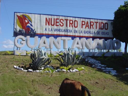 0918-cartel-guantanamo.jpg