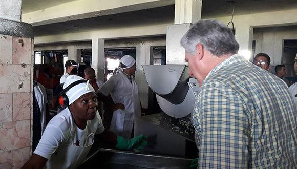 Miguel Díaz-Canel Bermúdez, Presidente de los Consejos de Estado y de Ministros de Cuba, comenzó este miércoles una visita de gobierno a la provincia de Pinar del Río.