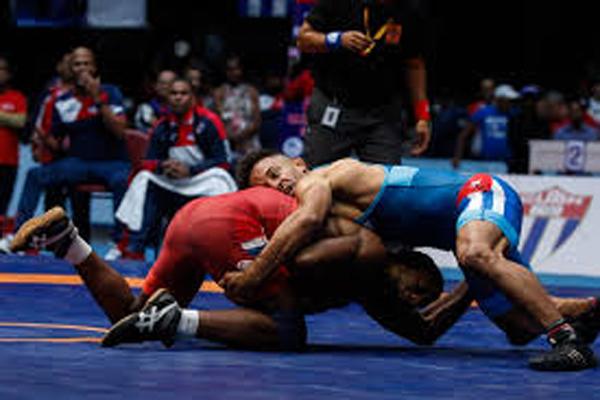 Reineris Andreu y Alejandro Valdés dominan en Campeonato de Lucha en Camagüey