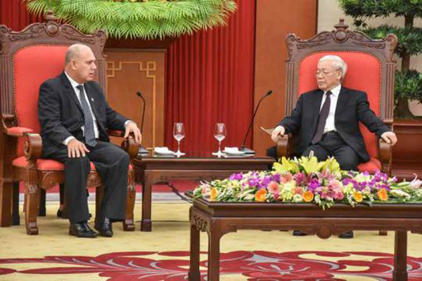 Secretary General of the Communist Party of Vietnam receives Cuban VP