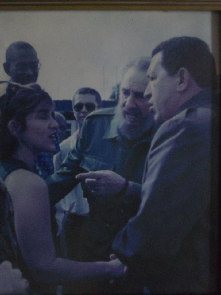 Angélica Paredes es una de las más versátiles reporteras de Redio Rebelde, la emisora insigne de Cuba que este 24 de febrero está cumpliendo 60 años de vida. Les compartimos un fragmento de la entrevista que esta periodista le concediera a la Agencia Cubana de Noticias.