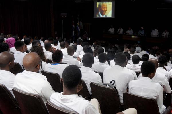 Acto conmemorativo por el centenario del natalicio de Nelson Mandela, líder histórico del pueblo sudafricano, efectuado en la facultad preparatoria de Cojímar, en La Habana, Cuba, el 4 de julio de 2018. ACN FOTO/Omara GARCÍA MEDEROS