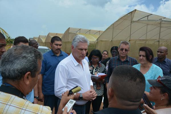 Cuban president Diaz-Canel insists on personalized attention to teachers