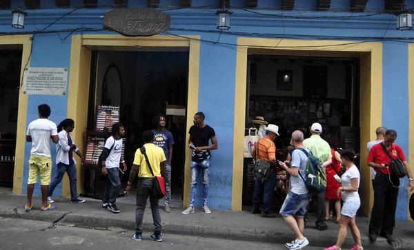 0308-casa-de-la-trova-santiago-de-cuba.JPG