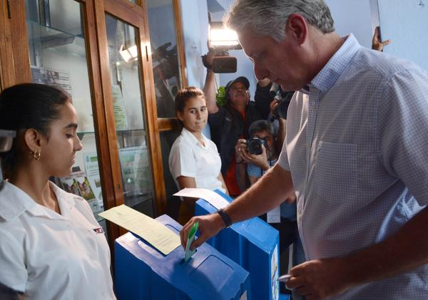 First Vice President Voted in the Second Stage of the country's General Elections
