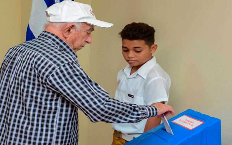 Jose Ramon Machado Ventura: It is Essential to Maintain the Country's Achievements