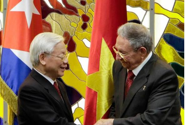 Máximas autoridades políticas y de Gobierno vietnamitas felicitan a sus homólogos cubanos