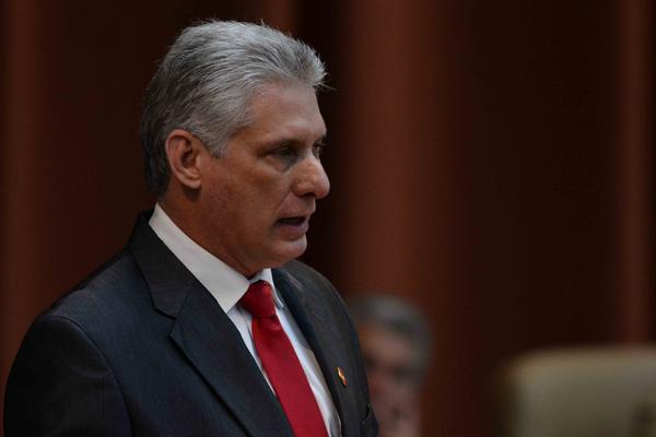 Recibió mandatario cubano cartas credenciales de nuevos embajadores