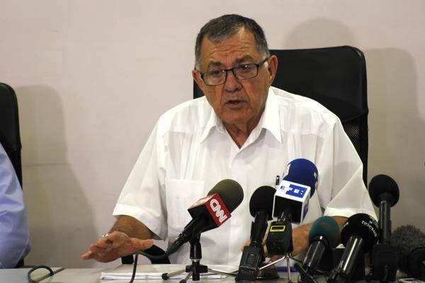 El ministro cubano de Transporte, Adel Yzquierdo Rodríguez, interviene en la conferencia de prensa con motivo del accidente aéreo, del vuelo DMJ 0972 que cubría la ruta La Habana-Holguín, ocurrido en las proximidades del Aeropuerto Internacional José Martí Foto: Ariel Ley Royero/ACN